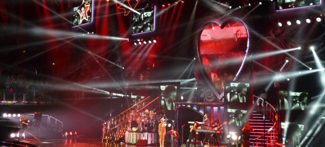 LED screens make a fantastic display at Pink's 'Truth about Love' worldwide tour