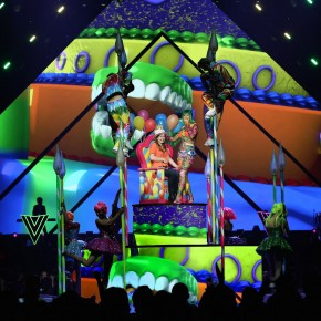Katy Perry's LED screen cake is the icing on top of her worldwide tour