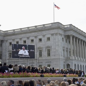 The digiLED Toura LED Screen magnifies the Pope to a higher level as he addresses Congress